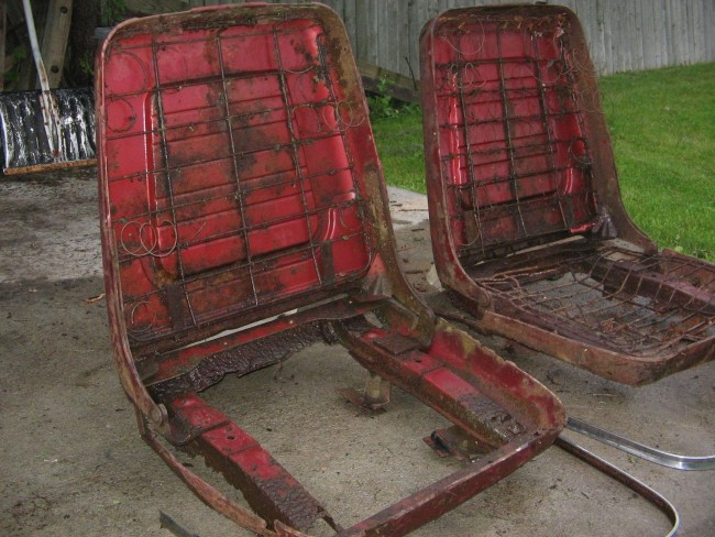 1960 Pontiac Bonneville Bucket Seats 09