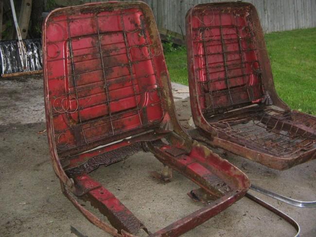 1960 Pontiac Bonneville Bucket Seats 09